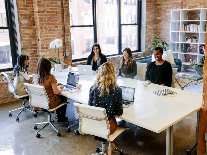 Why women should choose co-working for their office?