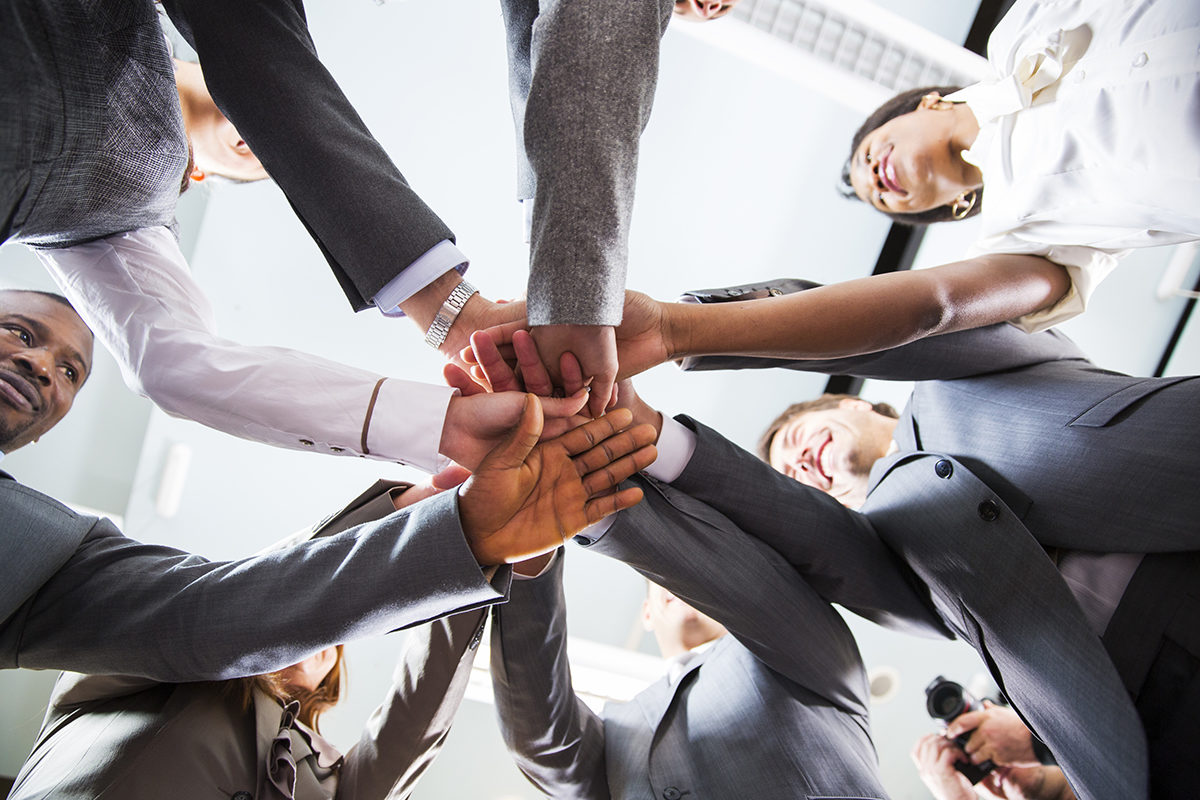 How can a coworking office help in team building